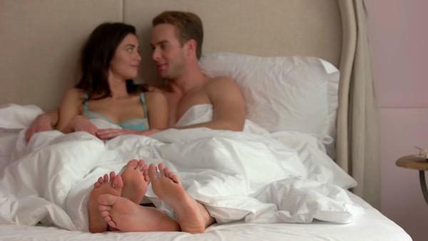 Muškarac u krevetu o kom sanja svaka žena i kako da to postaneš
